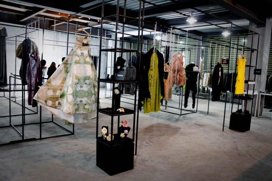 shanghai-fashion-week-guerilla-store-7-560x373