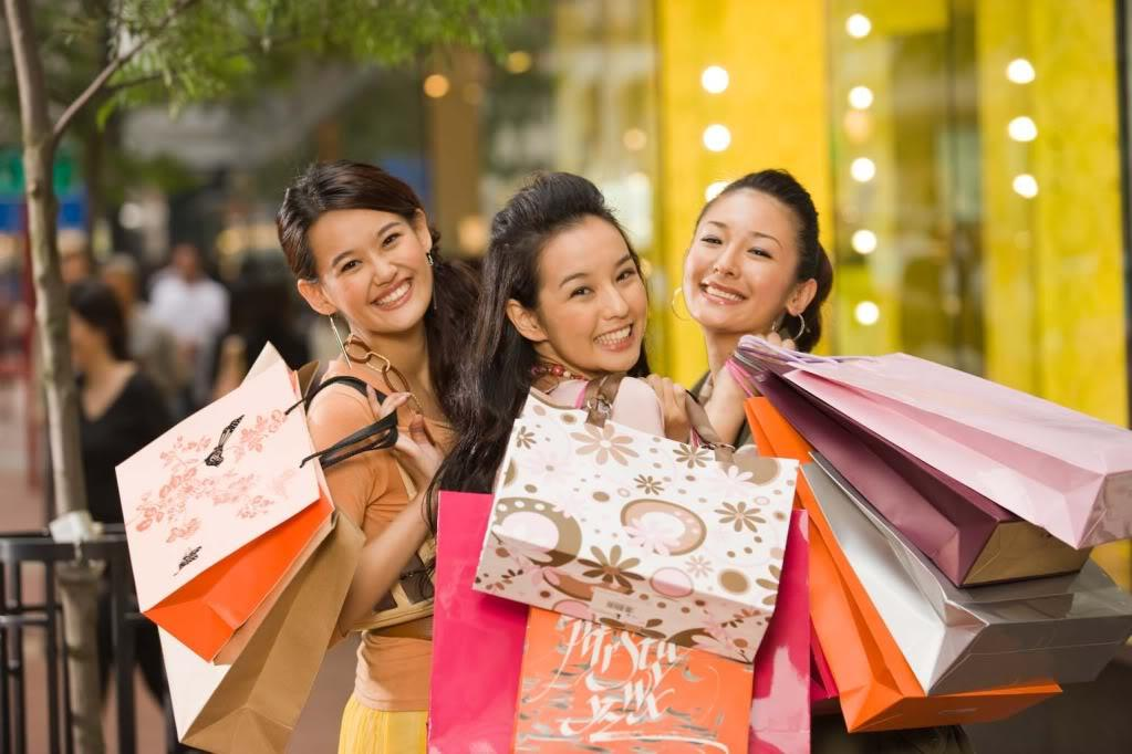 Chinese-Shoppers-AbroadJPG